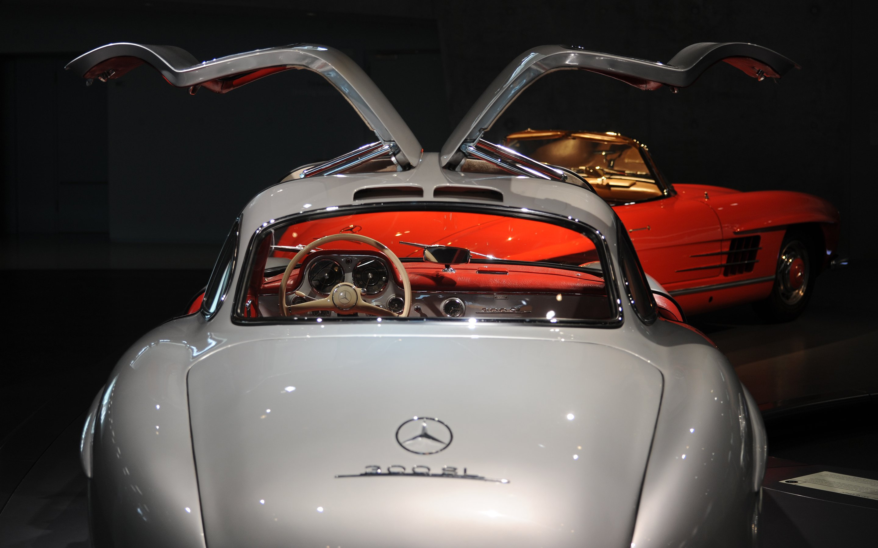 Mercedes benz stuttgart edu options germany for Mercedes benz classic center germany